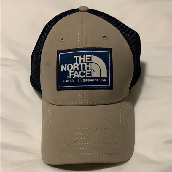 32260c6d6 Brand new the north face mesh hat NWT